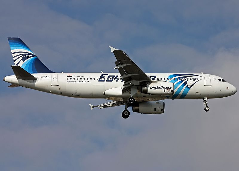 EgyptAir_Airbus_A320_(SU-GCC)_on_finals_at_Ataturk_Airport